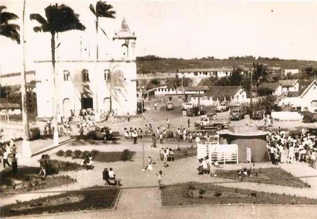 Praça Domingos Martins